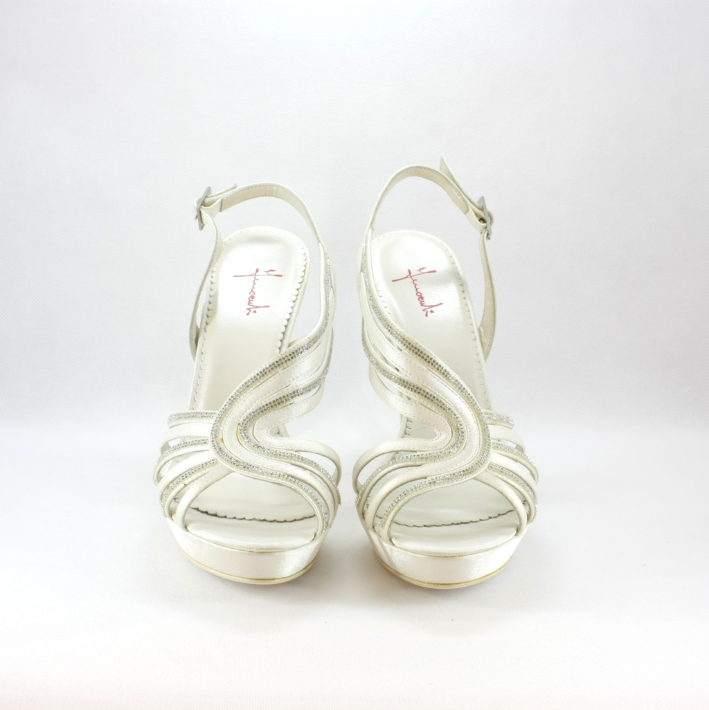 Sandalo cerimonia donna elegante da sposa in tessuto con applicazione in cristallo svarovsky e cinghietta regolabile.