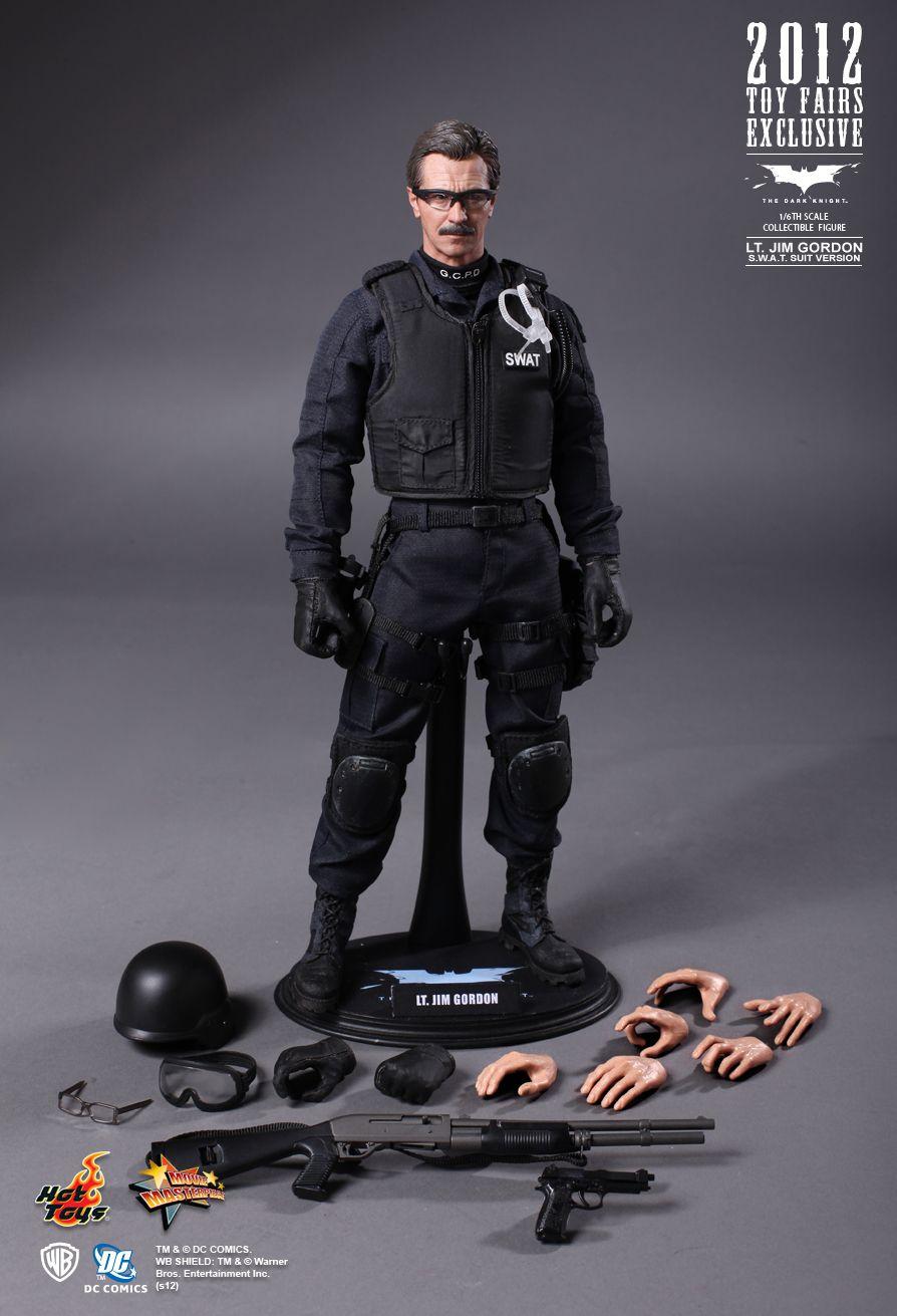 Hot Toys The Dark Knight: JIM GORDON (swat suit) MMS182