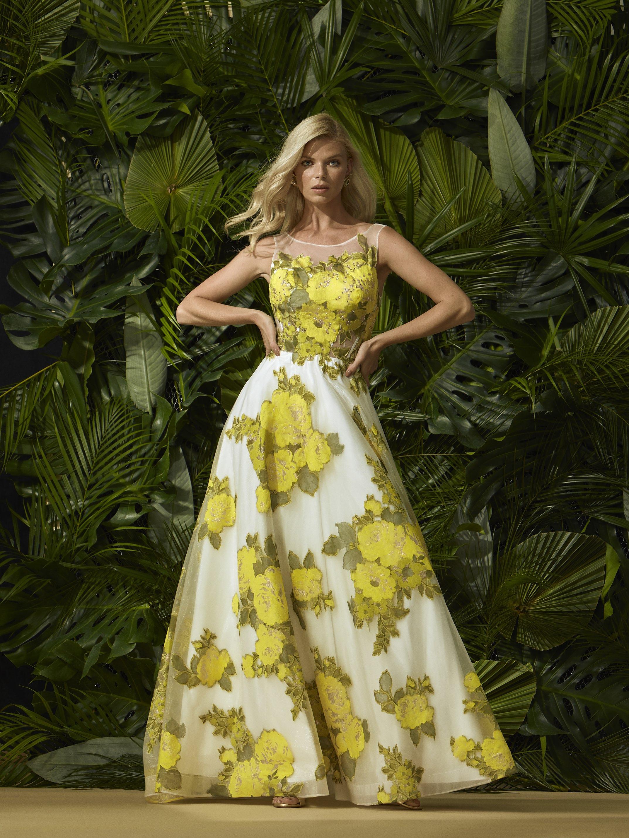 Abito lungo cerimonia donna a fantasia floreale.