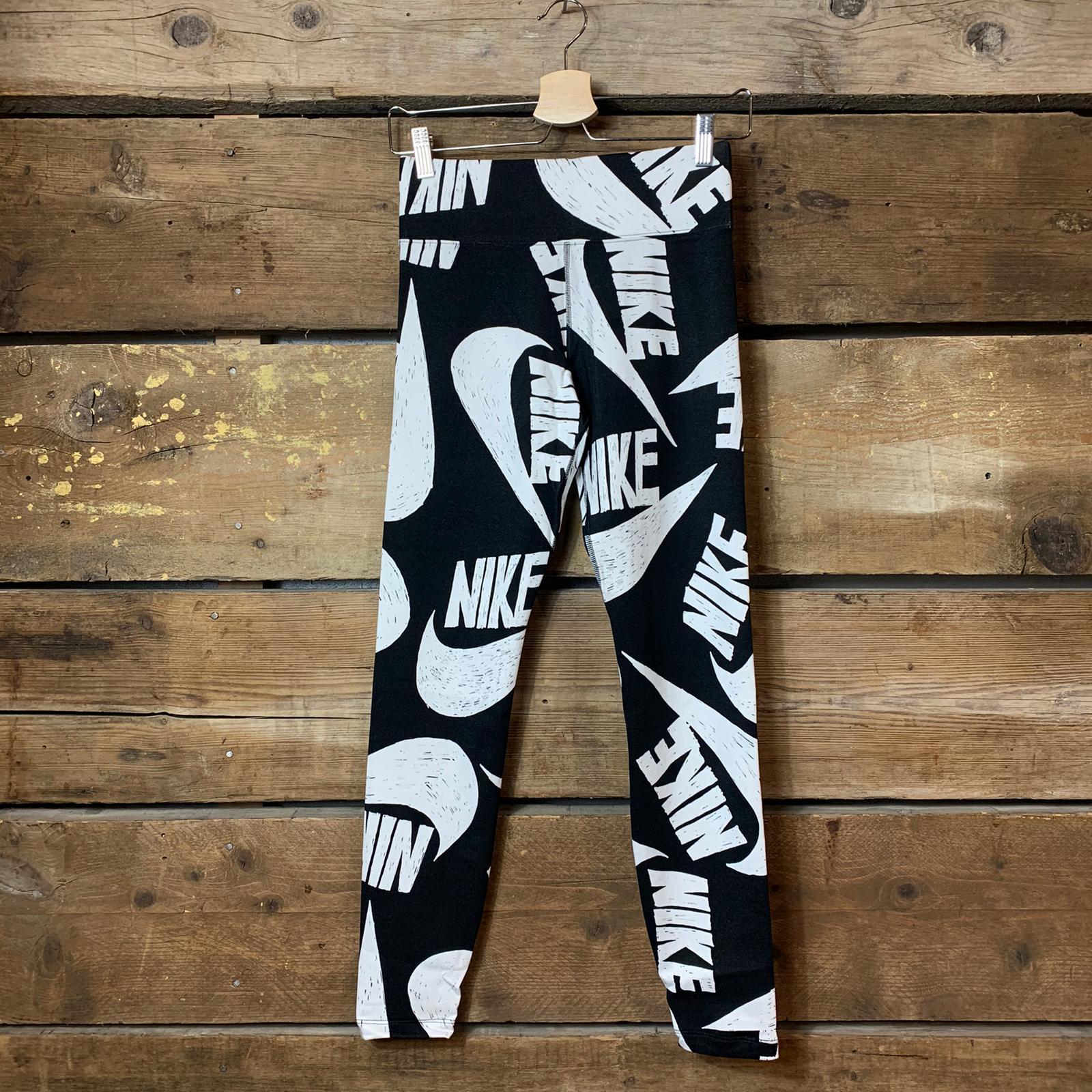 Leggins Nike Sportwear in Cotone con Logo Brand Bianco su Nero