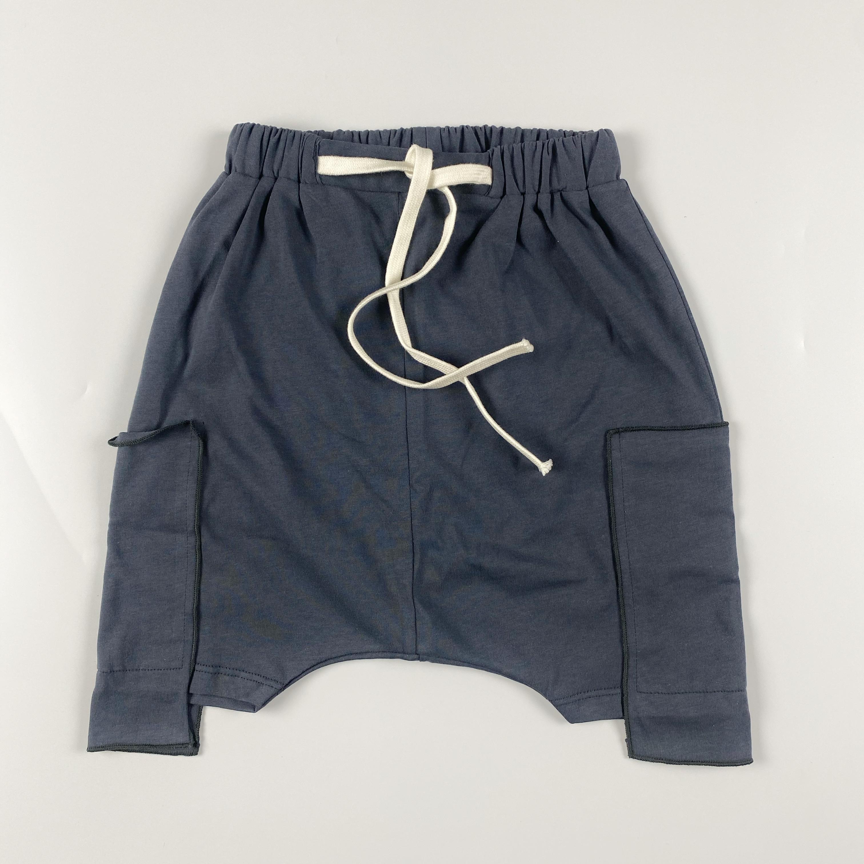 Pantaloncino con tasche in felpa