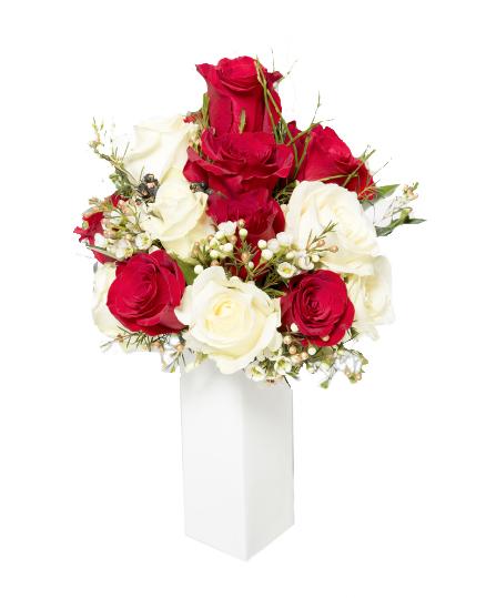 Bouquet rose bianche e rosse  60,00
