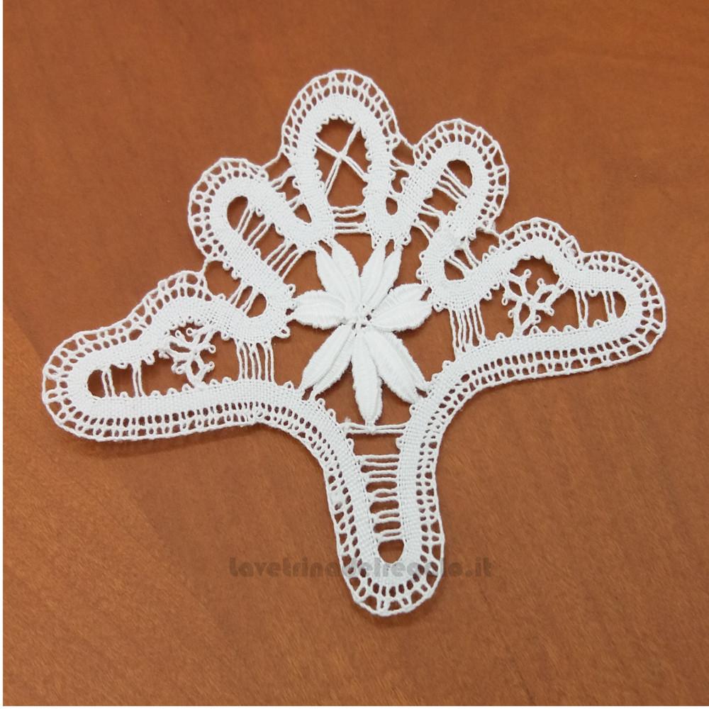 Applicazione ventaglio bianco a tombolo 9.5x7.5 cm Handmade - Italy