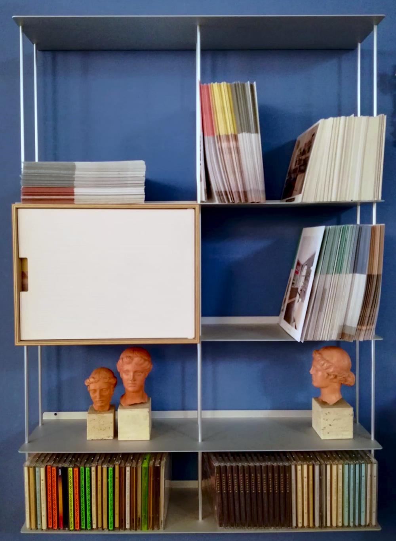 Libreria Bifacciale A Soffitto krossing scaffale libreria finitura alluminio 67x100x15 cm; kriptonite