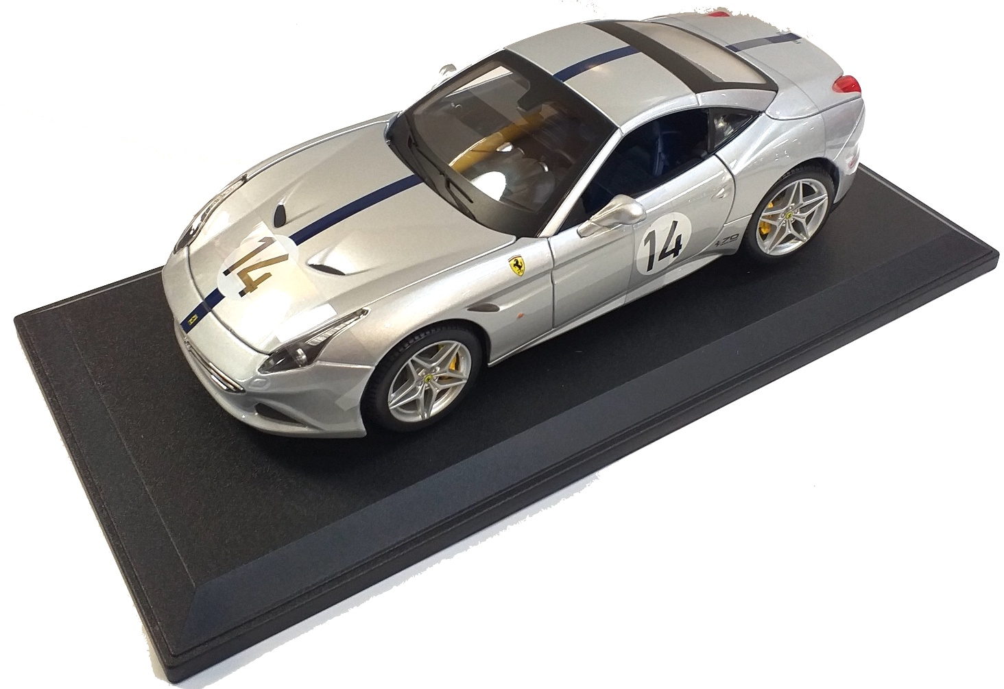 Ferrari California Turbo #14 Silver 1/18