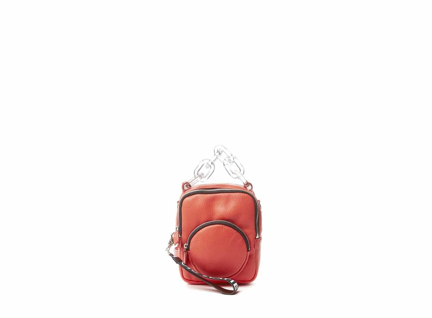Mini zaino in pelle rossa con maniglia in plexi Vic Matiè.