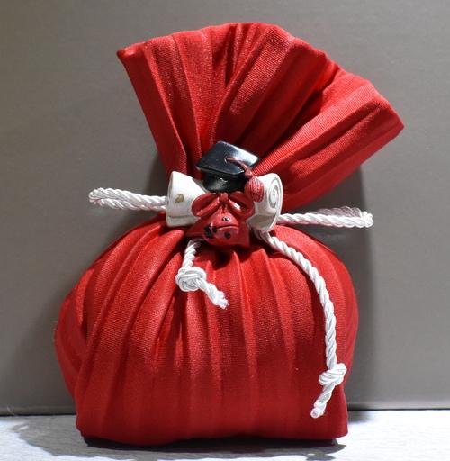 Sacchetto plissè Rosso con Pergamena e Tocco (confetti vari gusti e tipologie)-2