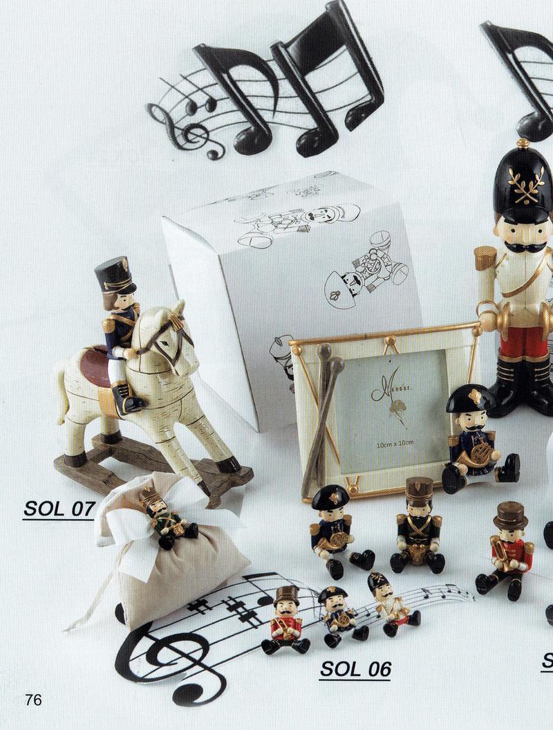 Margot Soldatino Salvadanaio resina SOL 07 (4 colori) 16x21 cm. + scatola