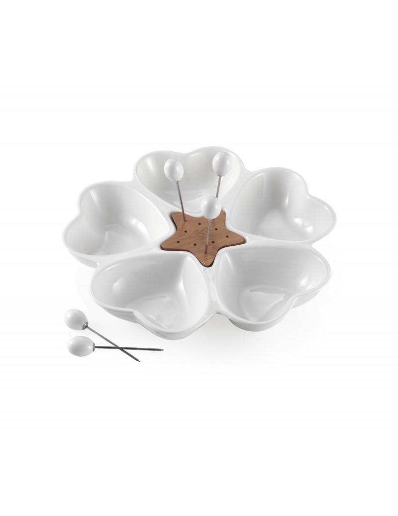 Antipastiera in porcellana con cuori bianchi