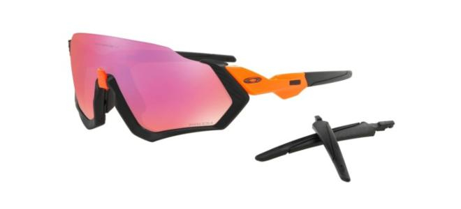 Oakley - Occhiale da Sole Uomo, Flight Jacket™, Matte Black/Prizm Trail  OO9401-0437  C37