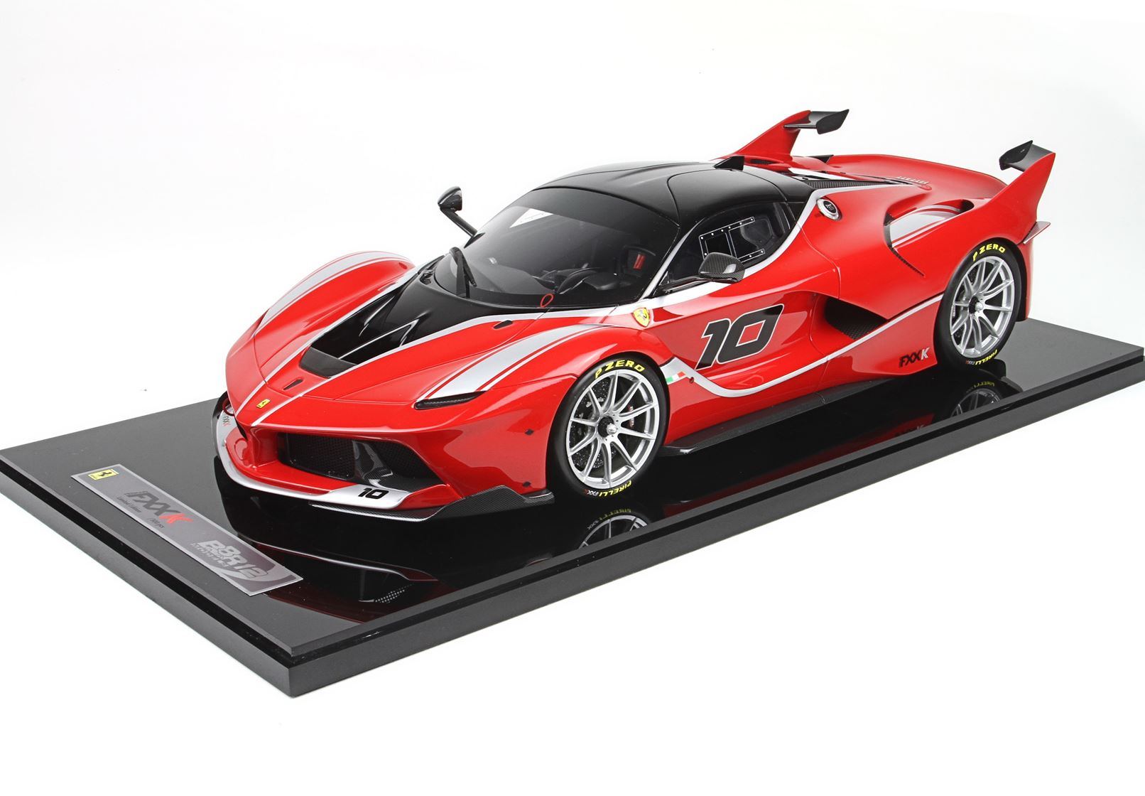 Ferrari FXXK #10 Abu Dhabi 2014 Limited 300 Pcs 1/12
