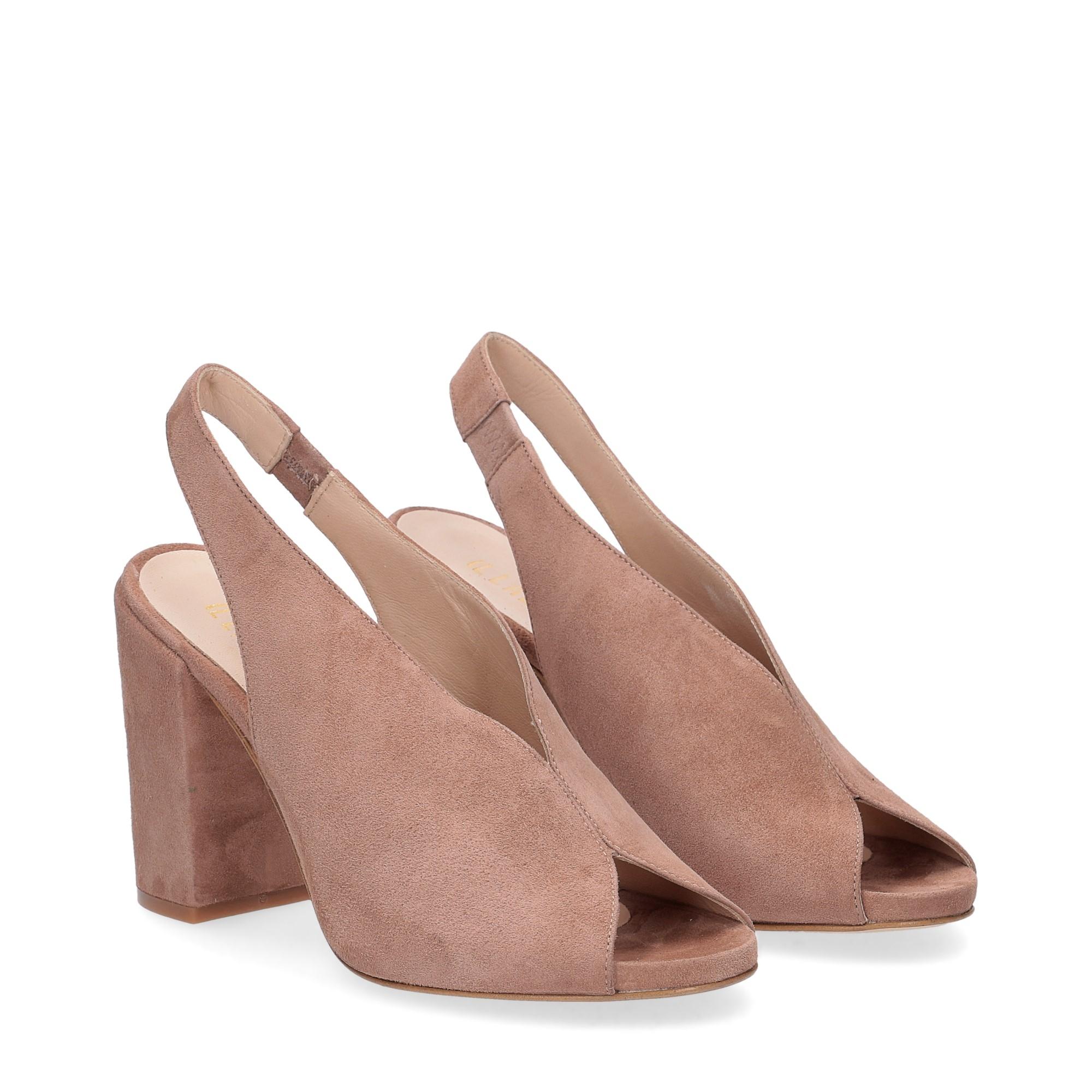 Il laccio sandalo camoscio rosa