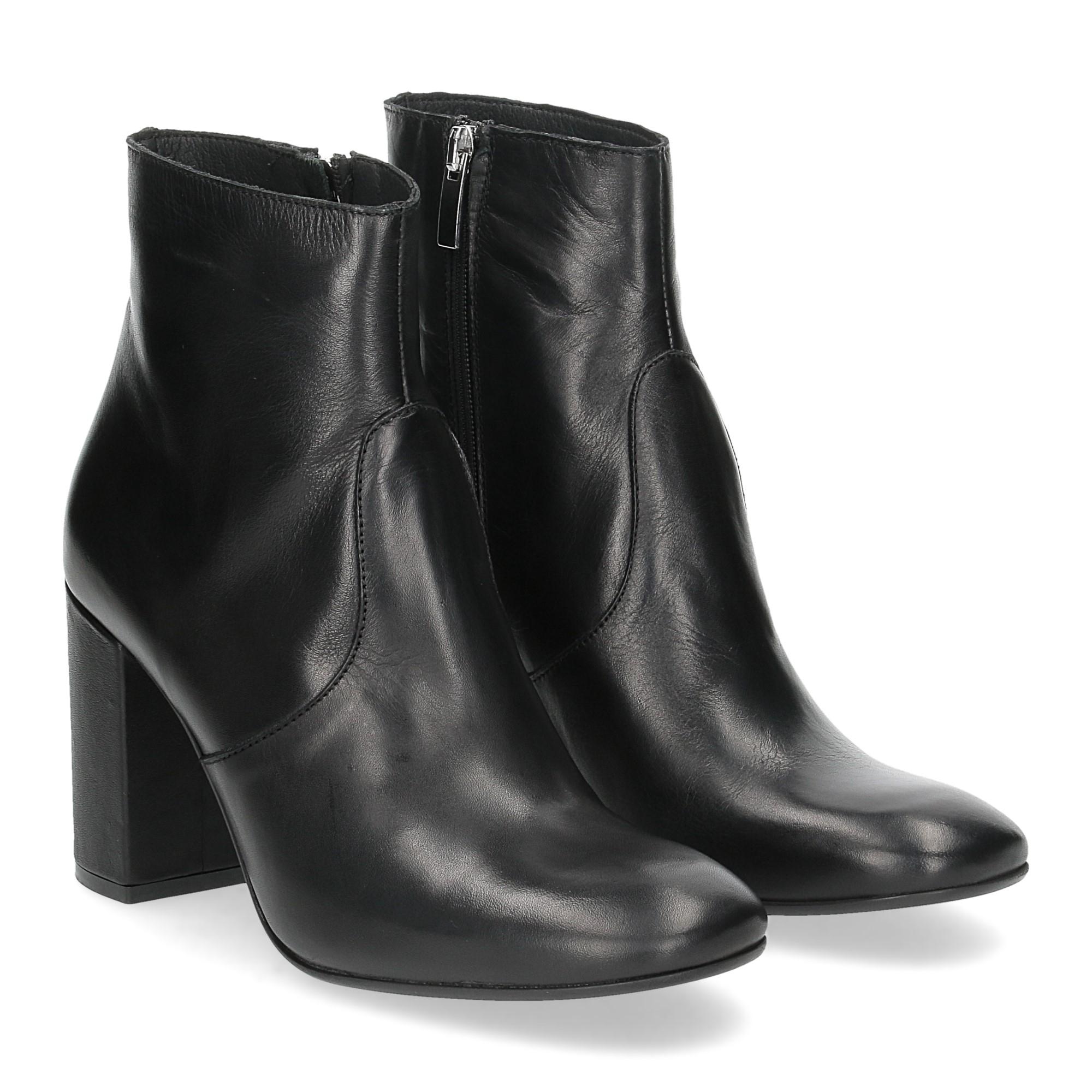 Il Laccio Tronchetto 950-D21 pelle nera