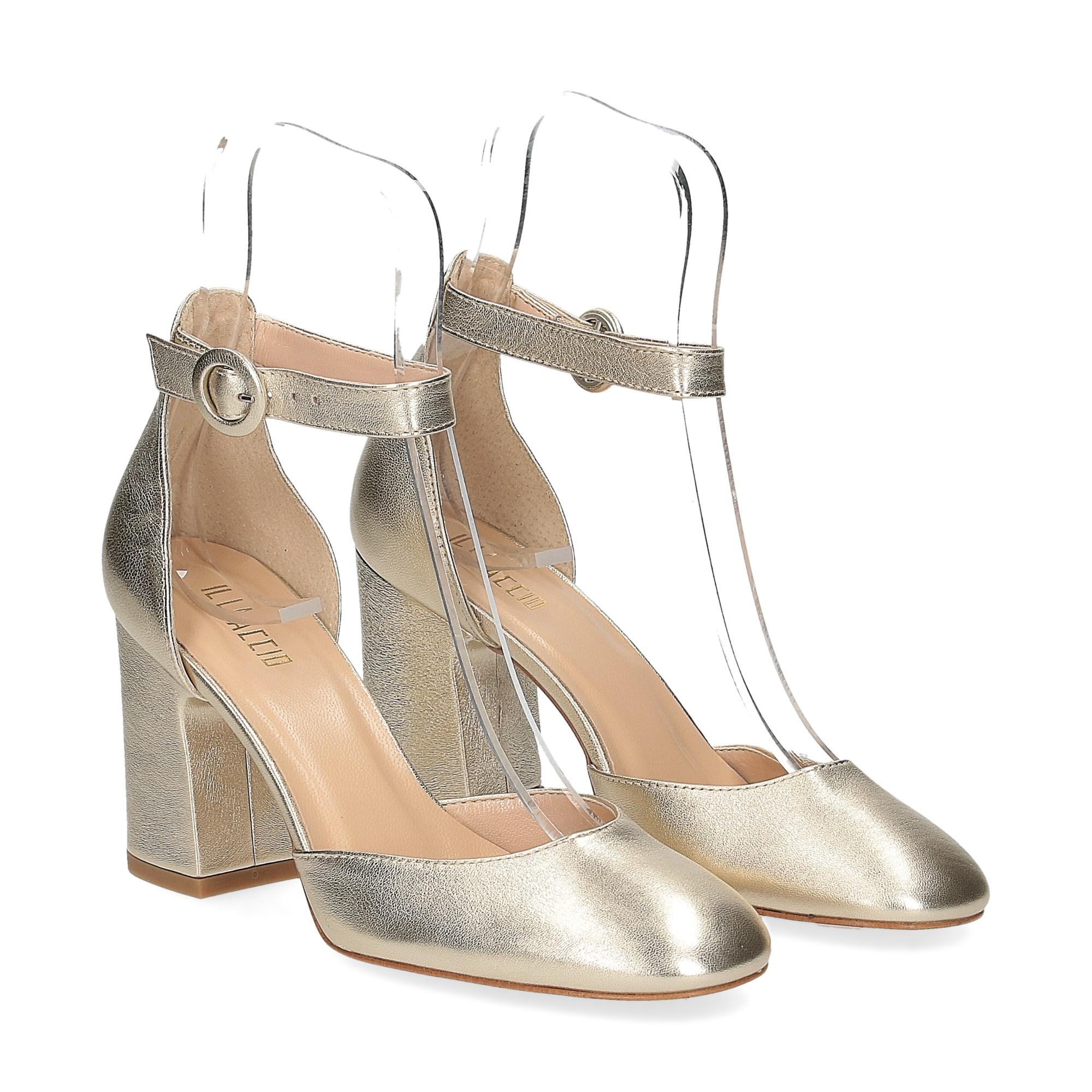 Il laccio sandaliera pelle laminata platino
