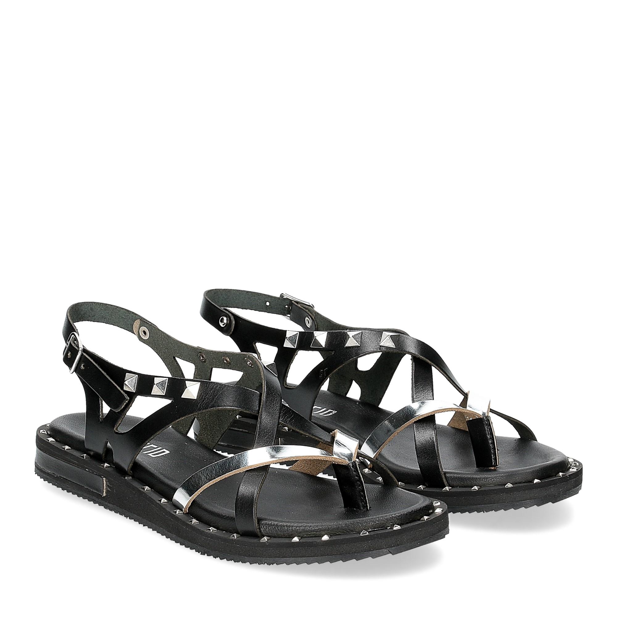 Il Laccio Sandalo infradito in pelle nera e argento con borchie