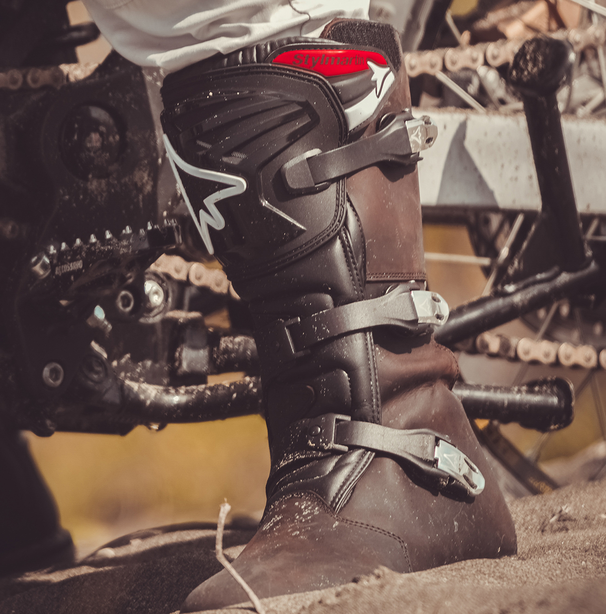What kind of boots for motorcycle: Enduro.
