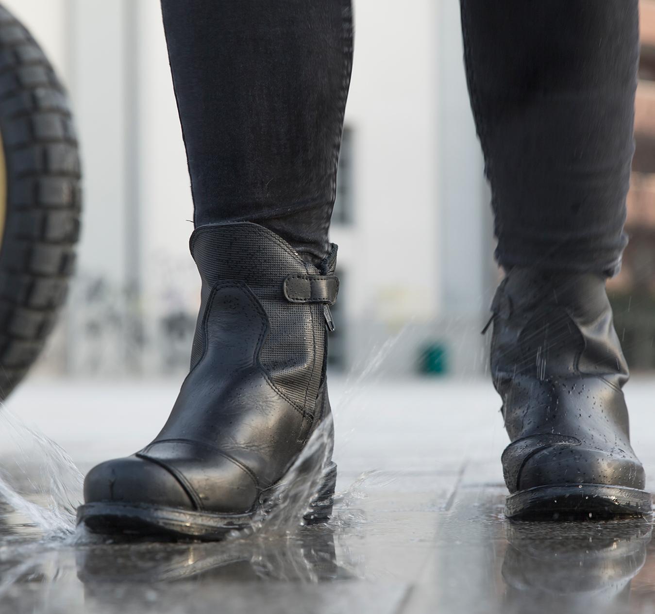 Classici stivali di pelle o stivali da moto: come scegliere gli stivali da moto.