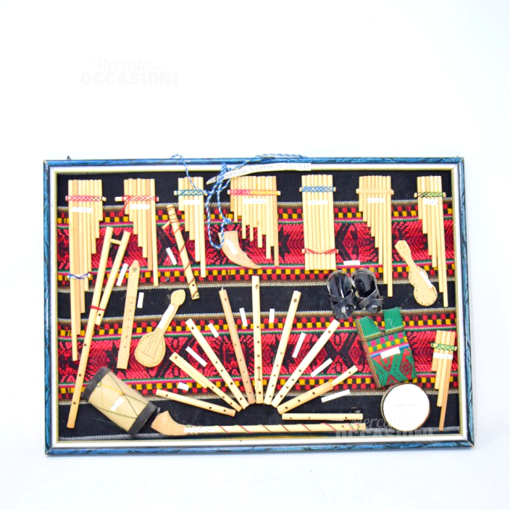 Quadro Strumenti Musicali In Miniatura Bolivia 30x43cm