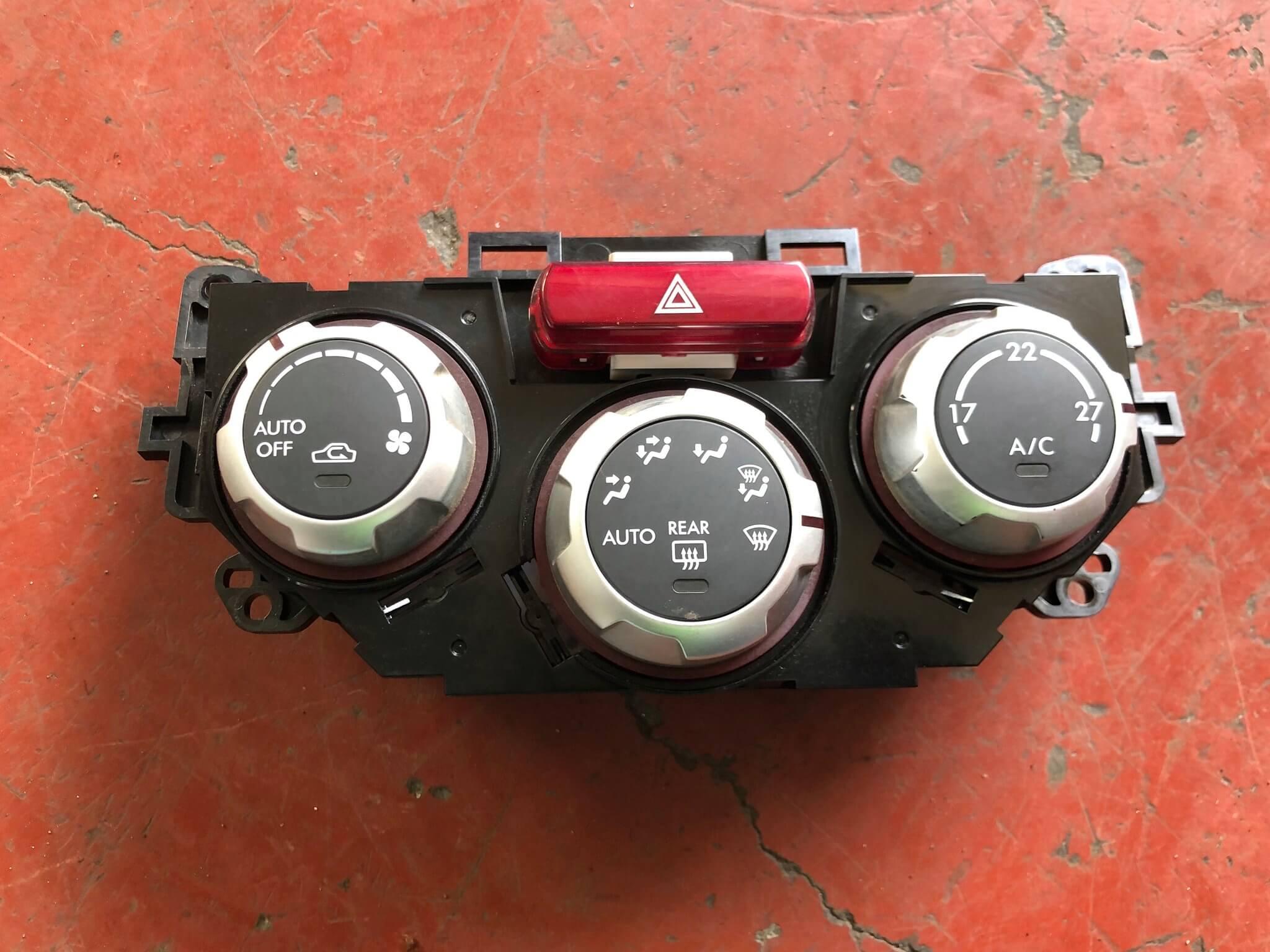Blocco comando clima usato Subaru Forester 3à serie 08>