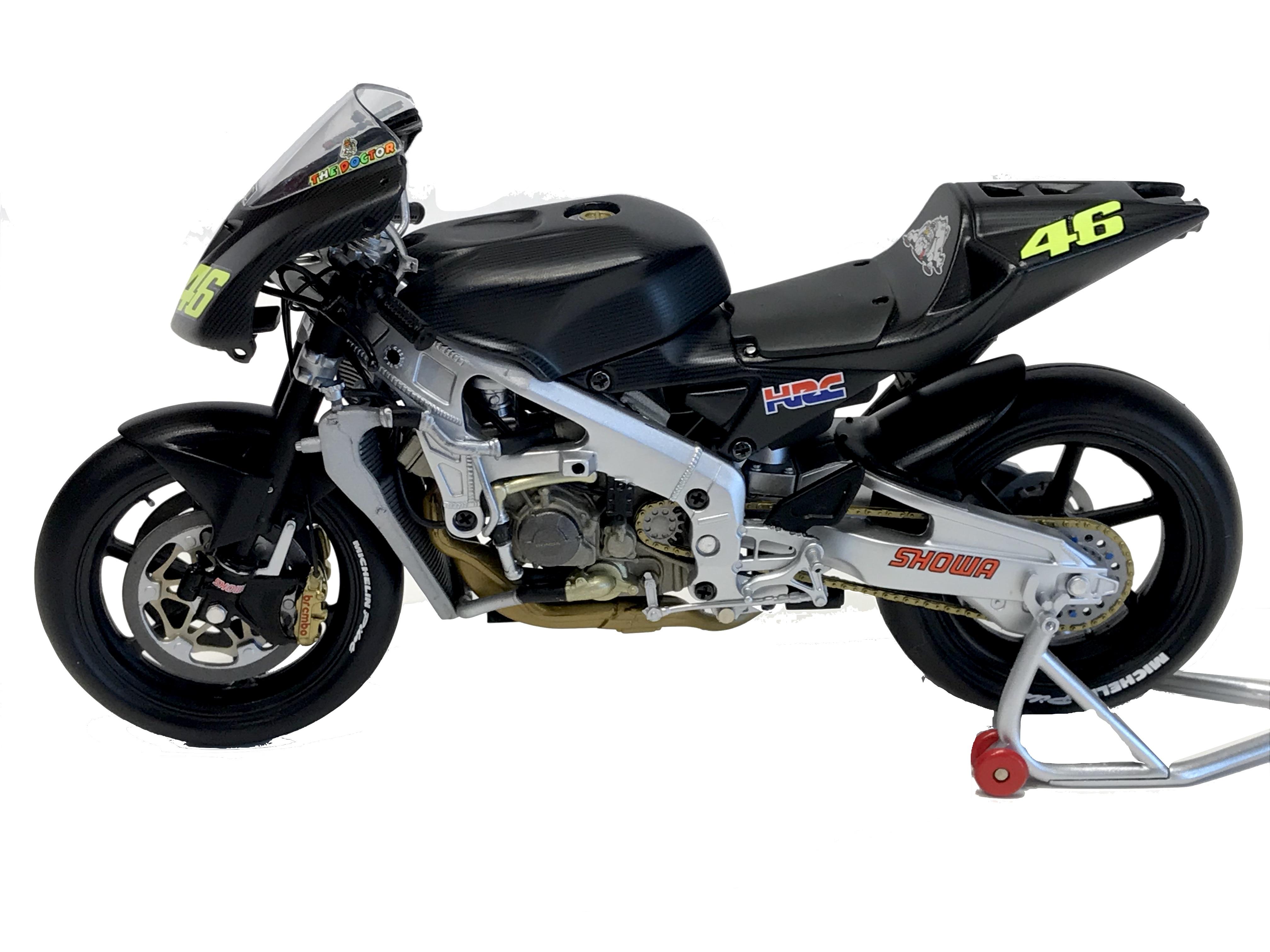Honda RC211V Valentino Rossi Pre-Season Test Bike 2002 1/12