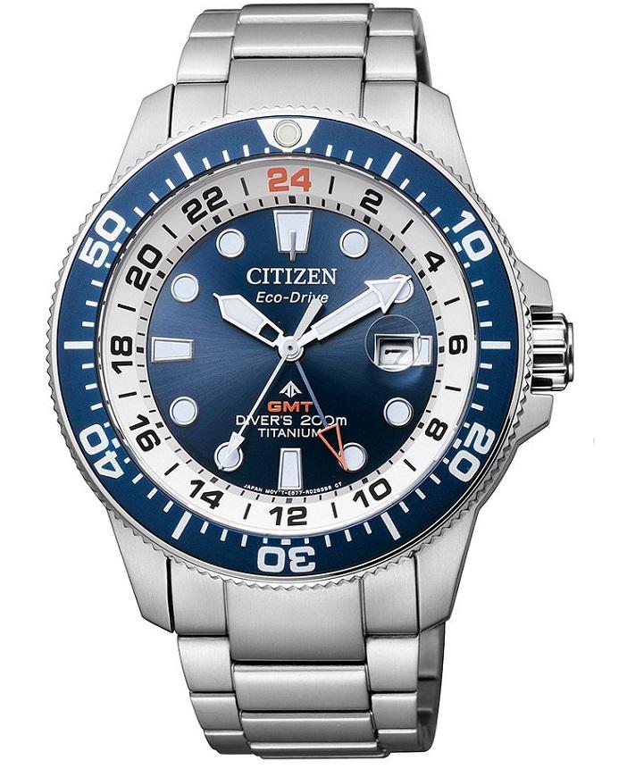 Citizen Diver's Supertitanio GMT cassa e bracciale Supertitanio, lunetta blu