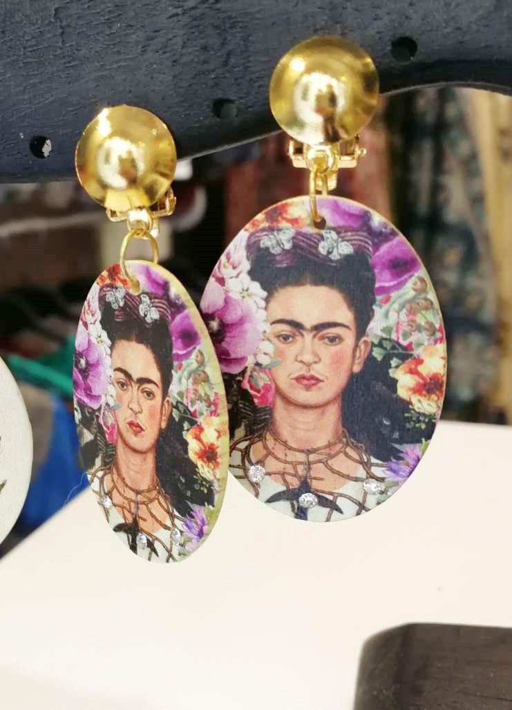 Orecchini clips in legno. Frida Kahlo 11