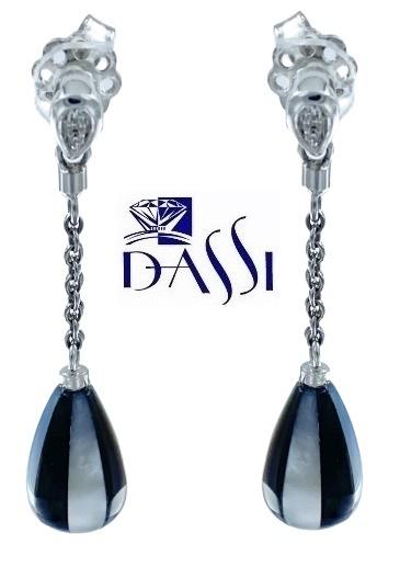 Orecchini pendenti in oro bianco 18kt, diamanti  e madre perla bianca e nera a forma di goccia