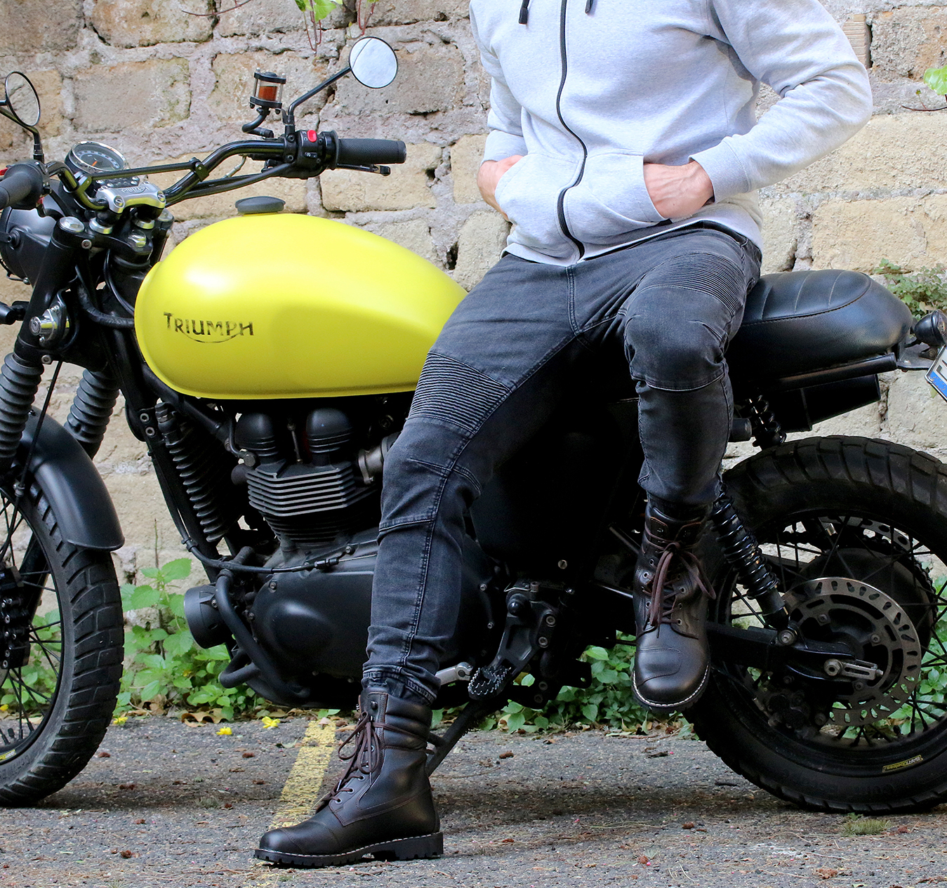 Men wearing motorcycle boots: suggestions