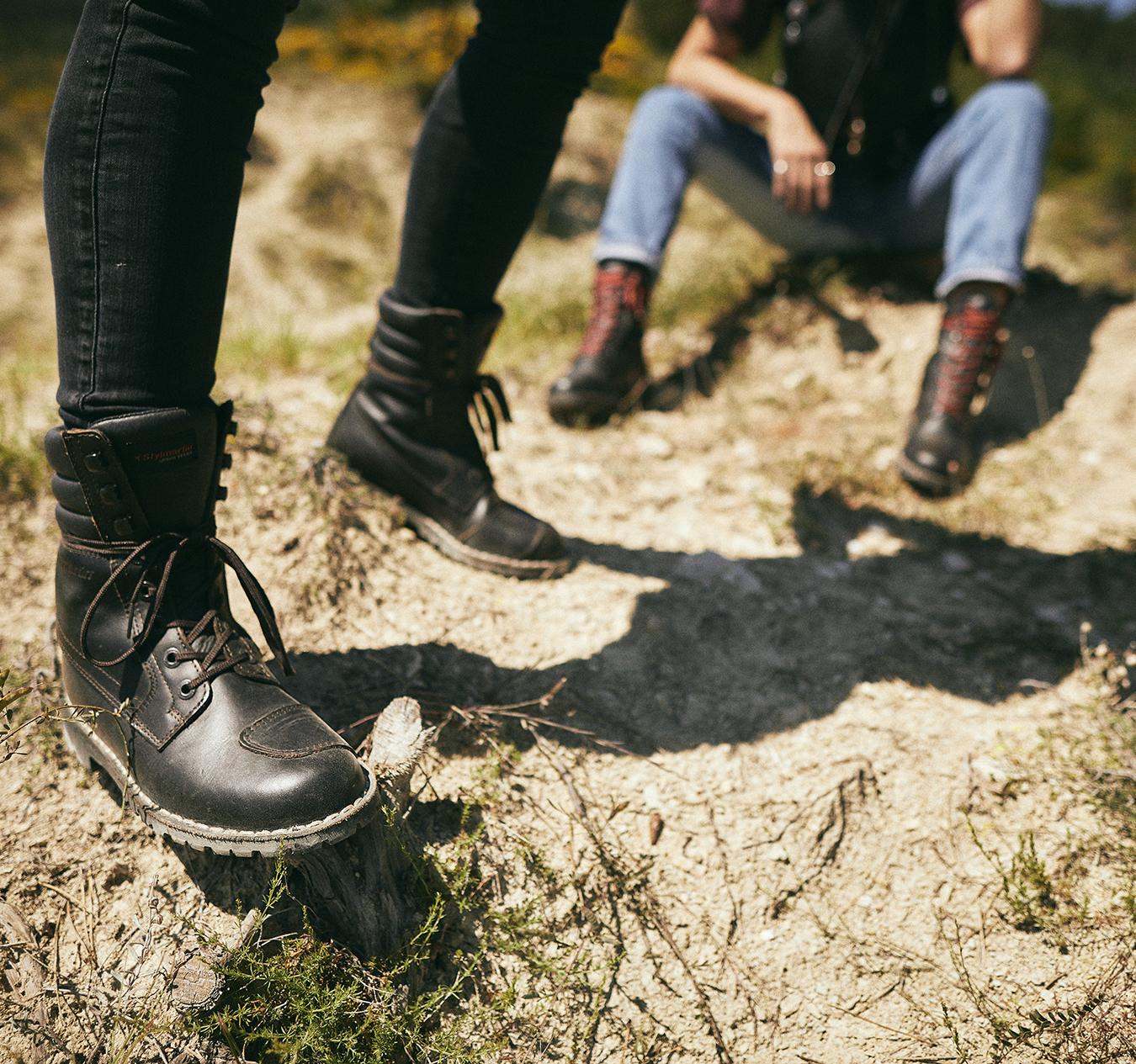 Le migliori calzature da moto: scarpe o stivali?