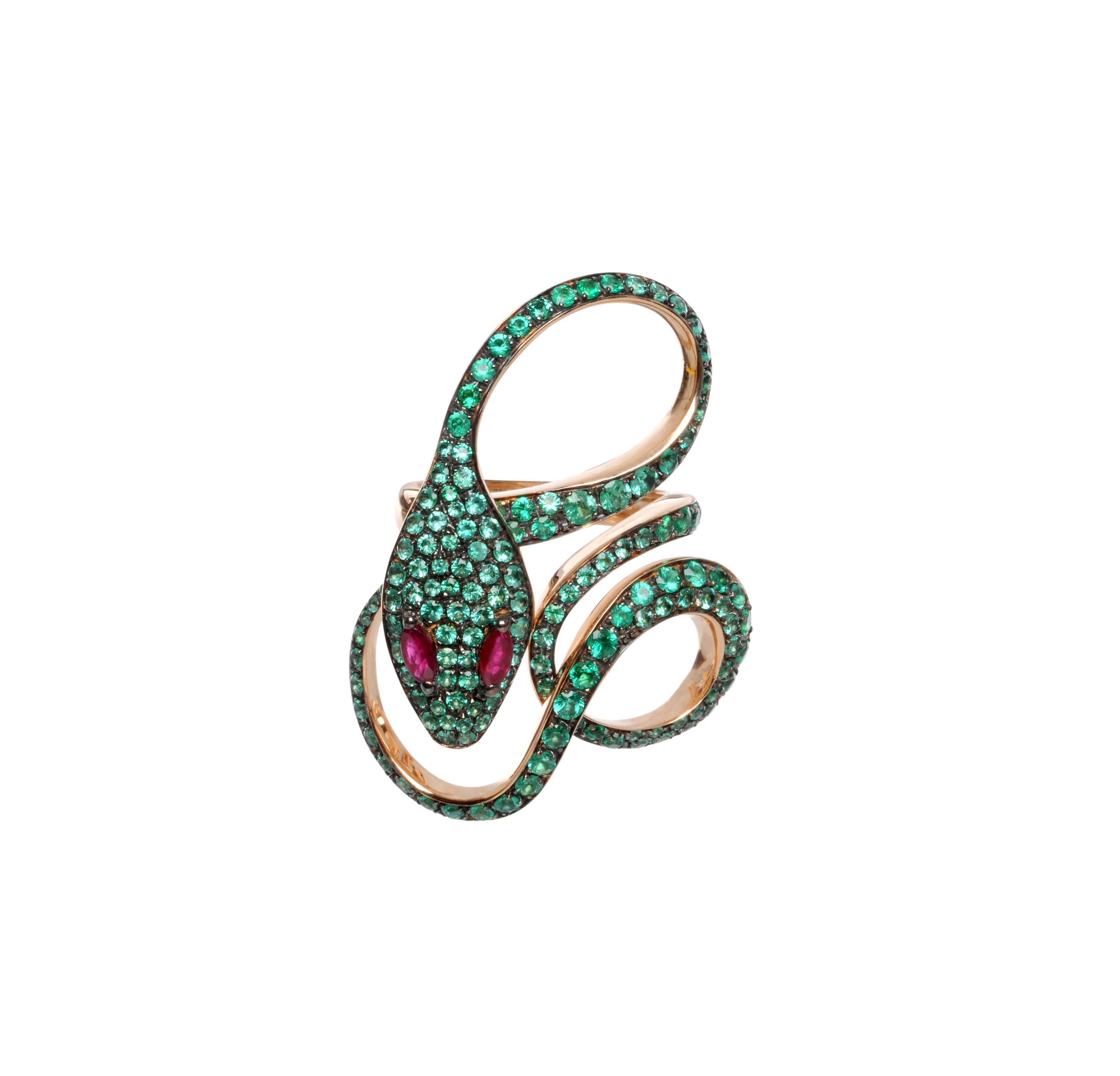 Anelloin oro rosa, smeraldi e rubini