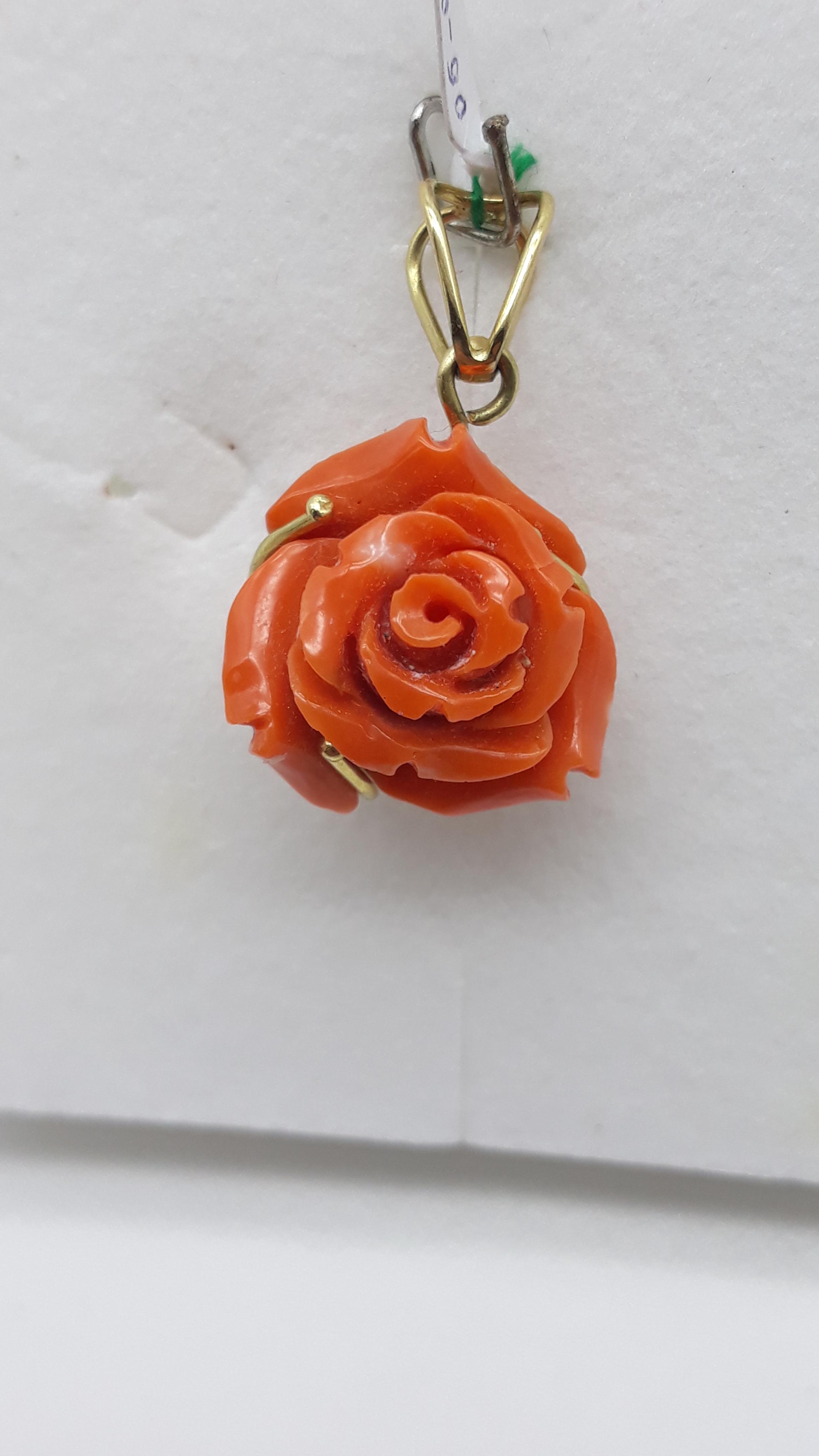 Ciondolo Bocciolo di Rosa in corallo e oro, vendita on line   GIOIELLERIA BRUNI Imperia
