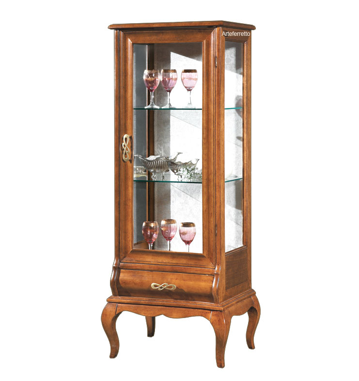 Classic showcase with drawer