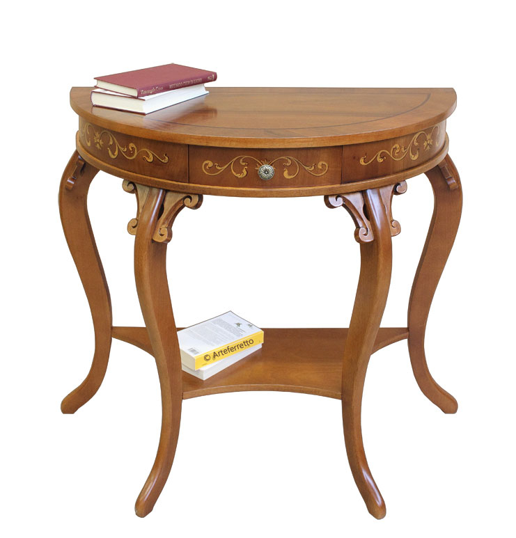 Charming console table in wood
