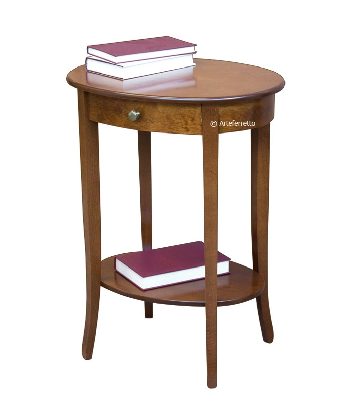 Oval side table in wood