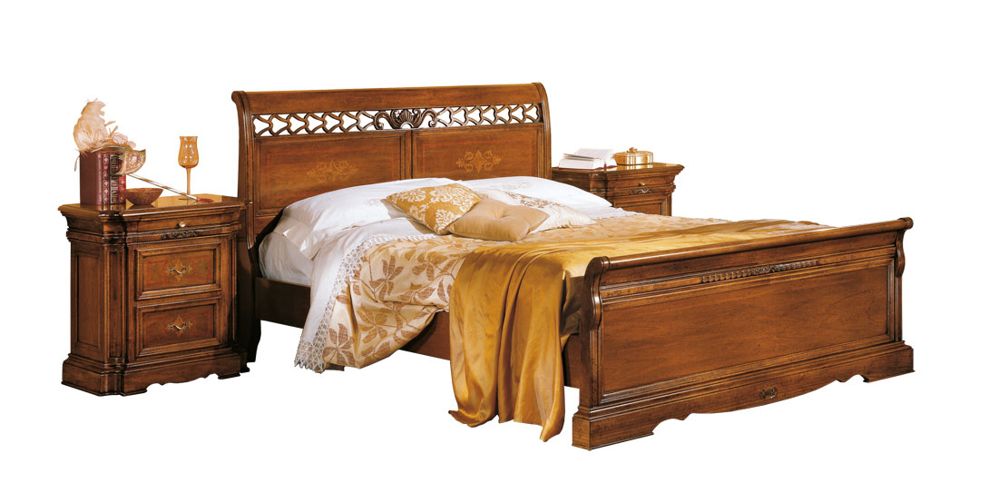 Classical pierced bed with inlay