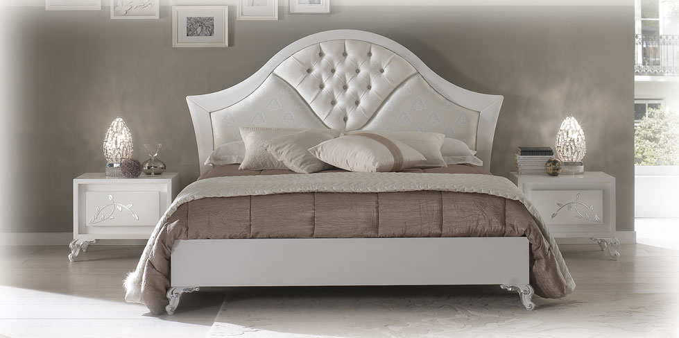 Buttoned headboard double bed