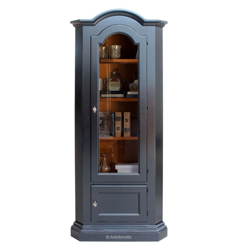 Corner unit with glass door