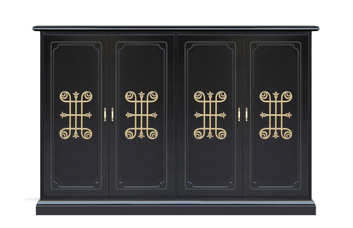 Wide shoe cabinet in wood decorated doors