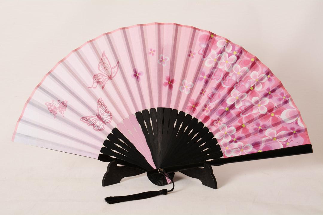Ventaglio Rosa con Fiori Tessuto Dipinto a Mano Manico in Bamboo