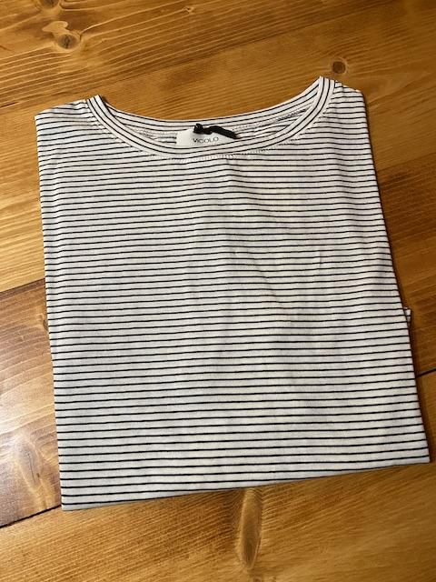 T-shirt oversize Vicolo righe Modello trapezio
