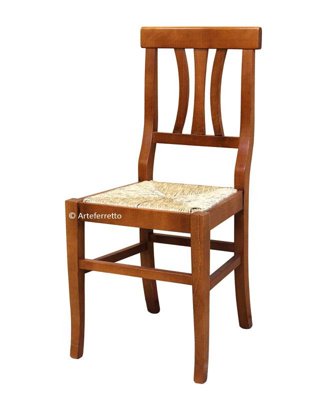 Stuhl mit Strohsitz für jeden Tag