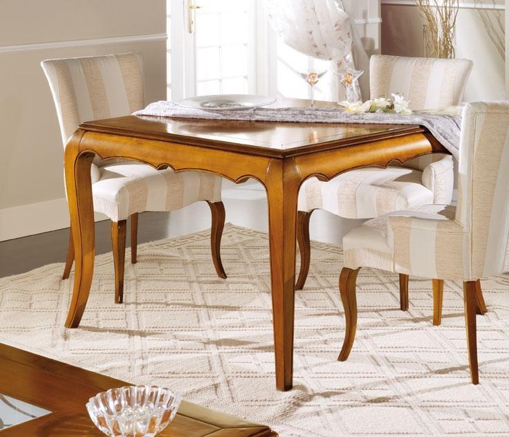 Viereckiger Tisch 120 cm