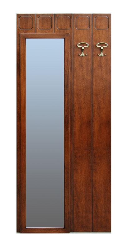 Klassische Garderobe mit Ganzkörperspiegel