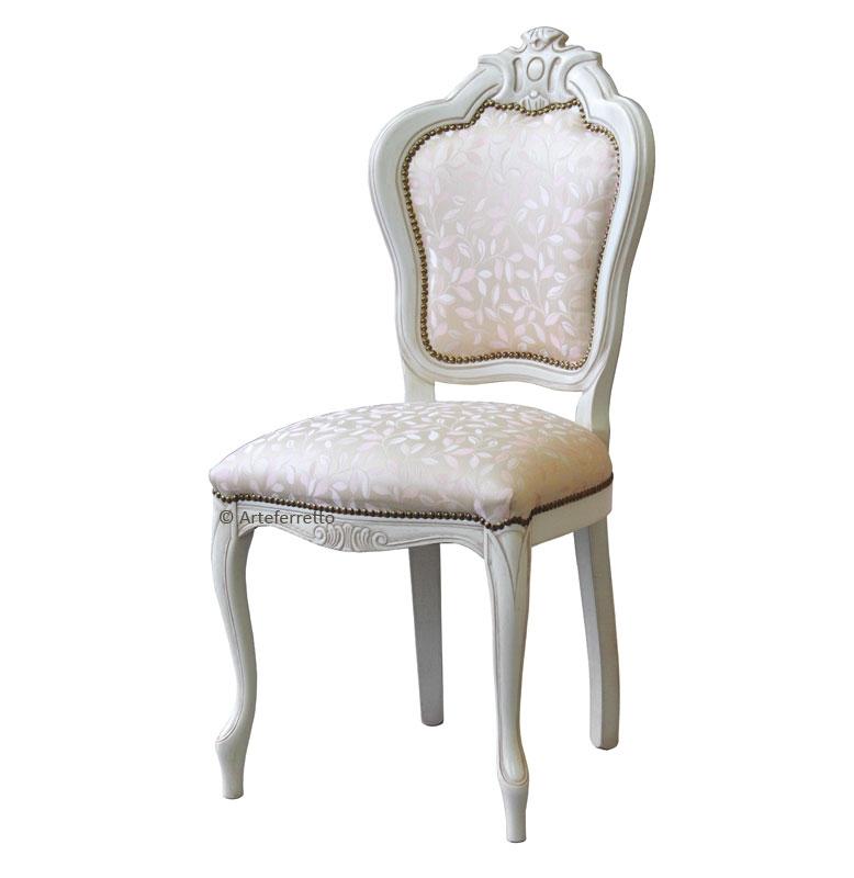 Lackierter Stuhl Style Schnitzarbeit