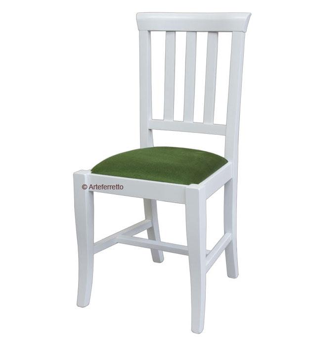Chaise traditionnelle rembourrée