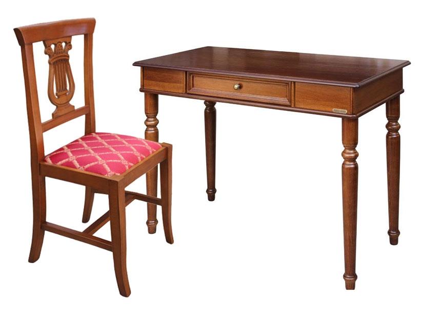 Set-Büro Stuhl und Schreibtisch
