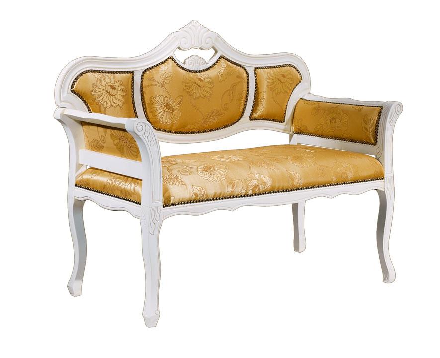 Kleines Sofa im klassischen Stil