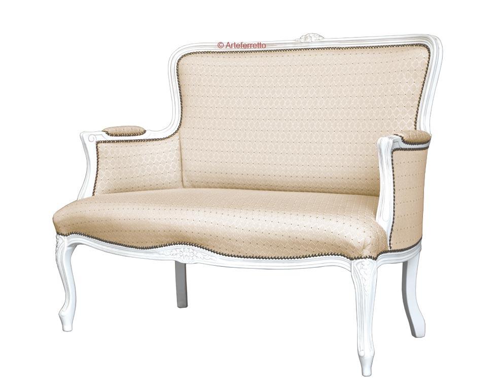 Klassisches Sofa elegant lackierte Farbe Eden