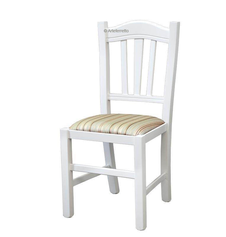 lackierter Esszimmerstuhl mit gepolstertem Sitz