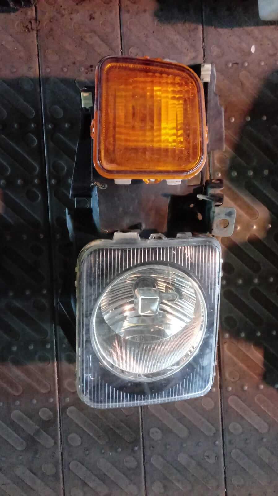 Proiettore dx usato Hummer H3